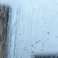 梅雨時の換気。